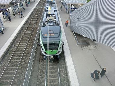 s-01-フィンランド鉄道の電車.jpg